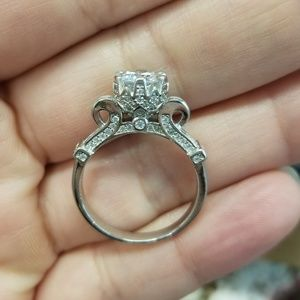 Crown Setting Solitaire